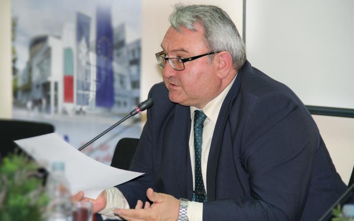 Най-важните лидерски качества днес са ерудираността и морала – интервю проф. д.п.н Георги Манолов