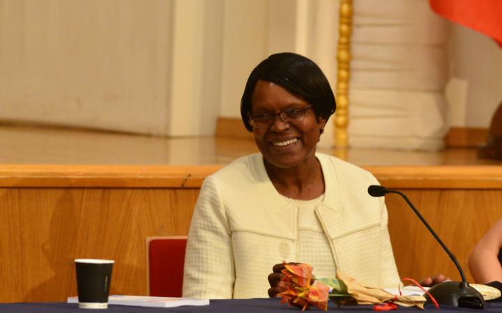 Новите лидери трябва да се сдобият със способността да навигират предизвикателствата – интервю д-р Джейн Муита